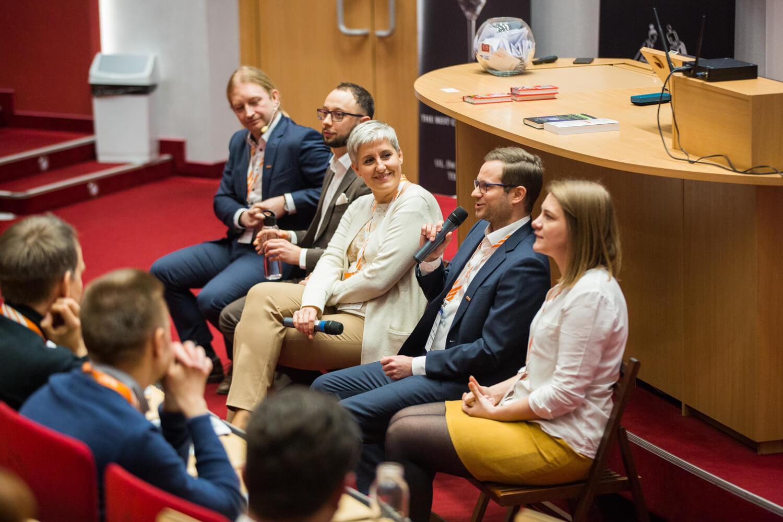 Debata ekspercka, Relacja zkonferencji SPIN 2020