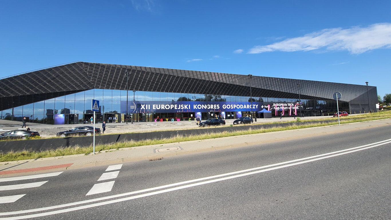 Europejski Kongres Gospodarczy wbudynku MCK Międzynarodowe Centrum Kongresowe wKatowicach